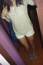 blue c&a bag - beige H&M shirt - white bow Bershka shorts