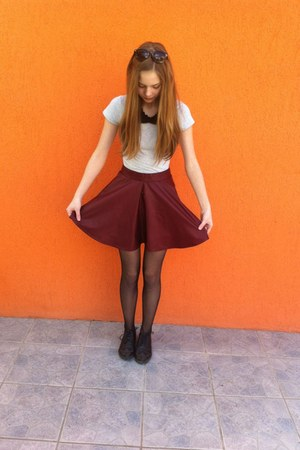 ruby red H&M skirt - black shoes