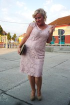 light pink lace Ica Cozea dress - camel faux leather meli melo bag