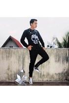 DIY sneakers - DIY top - H&M pants