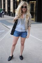 silver t by alexander wang top - blue Levis shorts - black Aldo shoes - gold urb