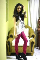 magenta leggings - off white H&M top - black Payless wedges