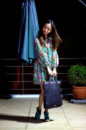 green mags dress - black Aldo bag