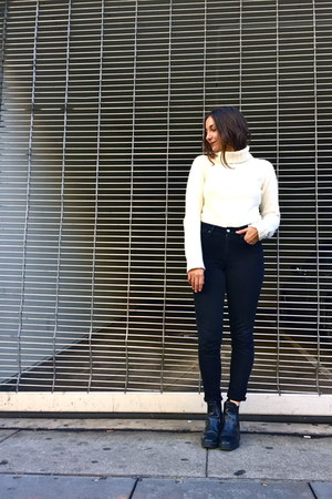 thrifted sweater - Zara boots - Levis pants