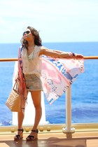 H&M top - brandy melville shorts - ray-ban sunglasses - Cest Moi cardigan