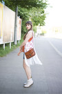 White-dr-martens-boots-ruby-red-h-m-top