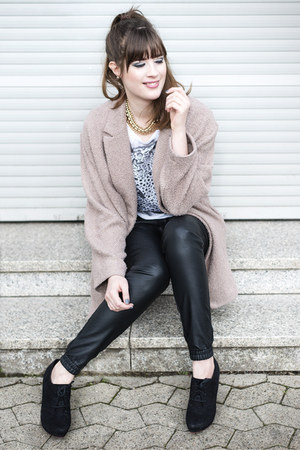 camel Primark coat - black Minimum pants