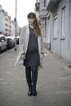 eggshell Zara coat - black Even&Odd boots