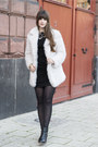 Black-tommy-hilfiger-boots-ivory-primark-jacket