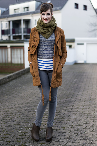 brown asos coat - heather gray chicnova sweater - black chicnova watch
