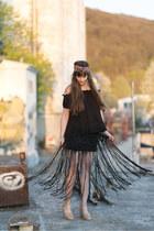 black H&M skirt - black asos top