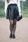Black-tamaris-boots-black-pull-bear-skirt-off-white-poppylux-blouse