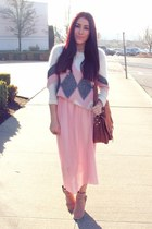 light pink Chicwish skirt - ivory Sheinside sweater