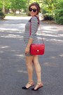 Black-f21-dress-red-bag