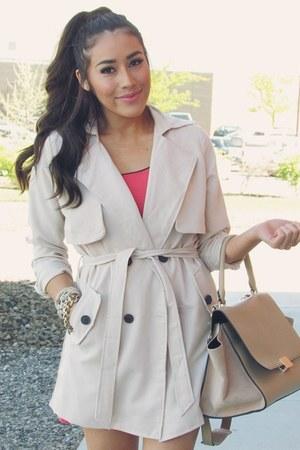 beige Queen fashion shop coat