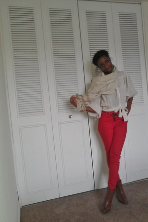 red H&M pants - banana republic scarf - liz claiborne wedges