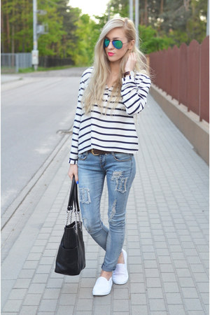jeans - striped blouse