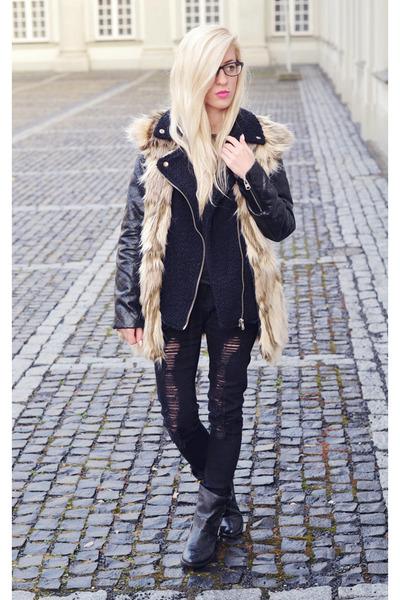 fur vest vest - ripped jeans jeans - biker jacket jacket
