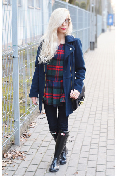 blouse - hunters boots - navy biker coat coat