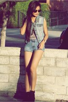 Forever21 boots - LEI shorts - giant vintage sunglasses - Forever21 vest