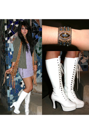 Eileen scarf - vintage boots - Eileen bracelet