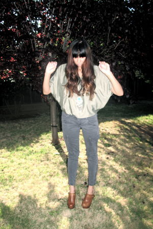 green J Brand pants - green Nasty Gal top - brown shoes