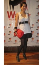 Zara blouse - Zara belt - Mango bracelet - Aldo and White Gold collection neckla