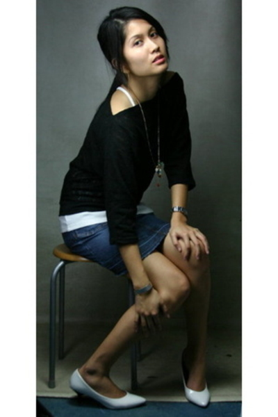 vintage blouse - H&M necklace - Guess skirt - white gold bracelet - Korean shoes