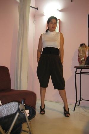 Sari-sari blouse - HK pants - Nine West shoes