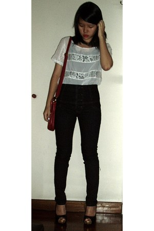 white top - black top - black jeans - black shoes - ruby red bag