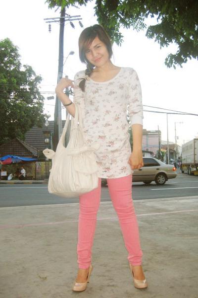 Peach Shirt White Pants White Shirt Pink Pants