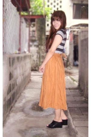 black stripes tiangge shirt - bronze maxi skirt moms skirt - black Jessica wedge