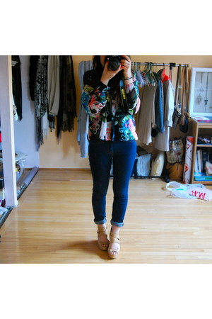 black H&M blouse - navy BDG jeans - nude Dolce Vita wedges