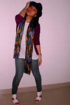hat - - t-shirt - scarf - jeans - shoes