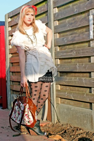 black Pimkie boots - ivory H&M dress - tawny floral Sacha purse