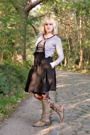 brown Kickers boots - brown leopard River Island dress - black floral H&M tights