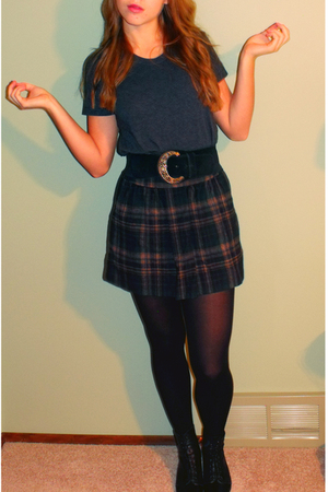 black vintage belt - black vintage boots - black tights - plaid Gap skirt