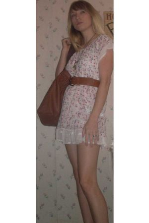 gold Disney necklace - white dress - brown belt - brown purse - beige Amanda Smi