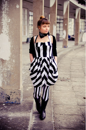 black cowboy Les Tropeziennes boots - white striped second hand dress