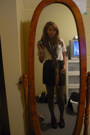 American Apparel shirt - American Apparel skirt - H&M tights - vintage scarf - S