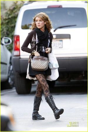 Gucci purse - unknown brand tights