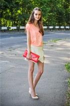 Aldo bag - Zara shorts - Aldo heels - Zara t-shirt - Stradivarius necklace