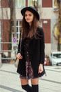 Crimson-chelsea-pull-bear-boots-black-prints-shein-dress