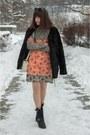 Black-leather-poustovit-for-braska-boots-carrot-orange-fringe-zara-dress