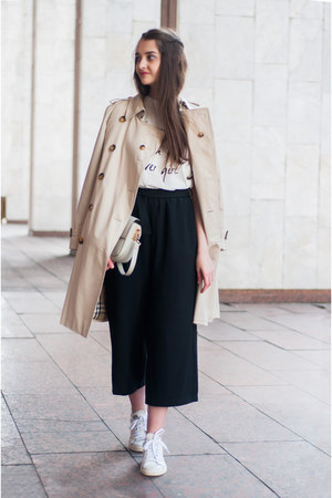 white printed romwe t-shirt - beige trench coat Burberry coat