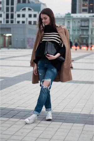camel trench coat Zara coat - navy ripped Sheinside jeans