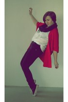 red second hand sweater - white H&M t-shirt - black Zara pants