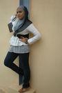 White-scarlet-blouse-brown-louis-vuitton-wallet-black-diesel-jeans-gray-sc
