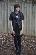 black animal print Nordstrom boots - navy tee vintage shirt
