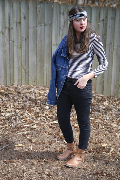 black skinny Urban Outfitters jeans - blue denim thrifted jacket